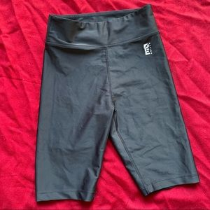 P.E NATION (xs) black bike shorts all rounder